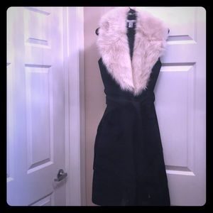 H&M sleeveless wool blend coat w/fur collar